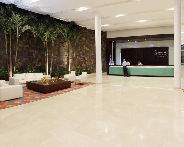 LOBBY Hotel ESTELAR En Alto Prado