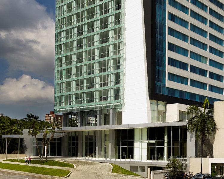 FACHADA Hotel ESTELAR En Alto Prado