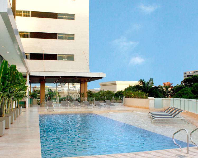 PISCINA Hotel ESTELAR En Alto Prado